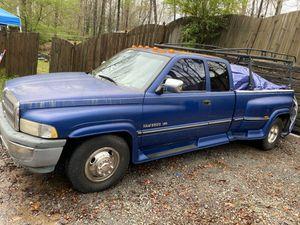 1997 Dodge Ram 3500 SLT Laramie 8.0L V10 magnum for Sale in Lawrenceville, GA