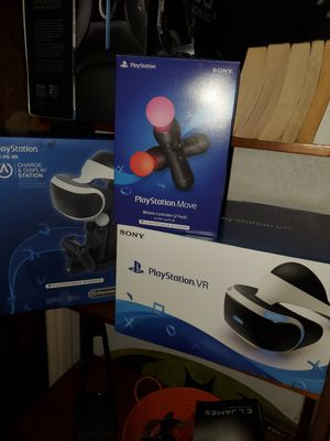 Ps4 VR set, Move controllers, Charging station for Sale in Upland, CA