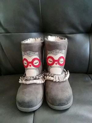Owl girl size 11 boots for Sale in Rockford, IL