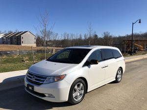 2013 Honda Odyssey Touring Elite one owner navigation rear dvd fully loaded clean carfax like new for Sale in Noblesville, IN