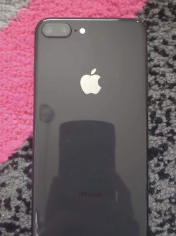 iPhone 8 Plus UNLOCKED for Sale in Hillsboro,  OR