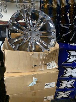 Chrome wheels fit for Chevy truck 24 inch for Sale in Memphis, TN