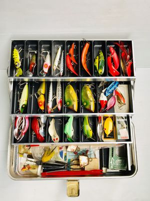 Vintage UMCO Fishing Tackle Box With Vintage Lures for Sale in Glen Ellyn, IL
