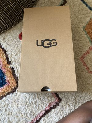 UGG SLIPPERS for Sale in Ashburn, VA