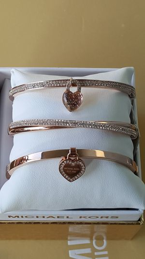 New Authentic Michael Kors Women's Rosegold Bracelets 🎁❤🎁❤ for Sale in East Los Angeles, CA