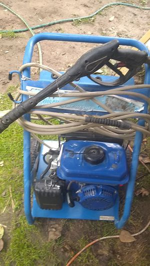 4hps 2000 psi gas pressure washer for Sale in Puyallup, WA