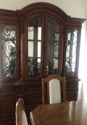 China, hutch, dining table and 6 chairs w leaf for Sale in Covington, WA
