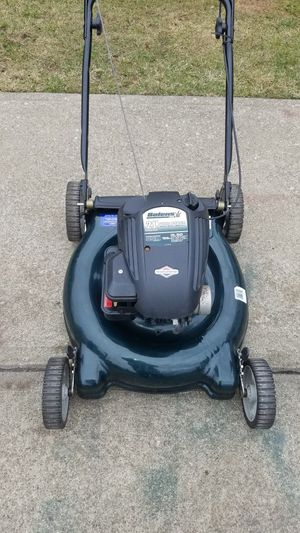Bolens push larn mower no bag in good shape $100 dollars for Sale in Cleveland, OH