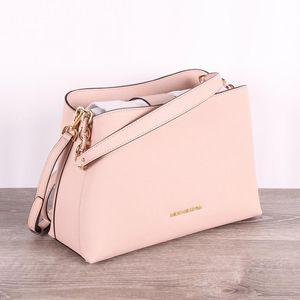 Michael Kors pink shoulder bag for Sale in Vacaville, CA