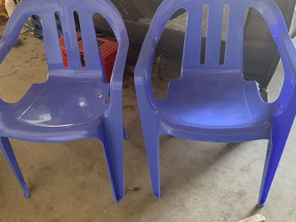 Free Chairs for Sale in Fresno,  CA