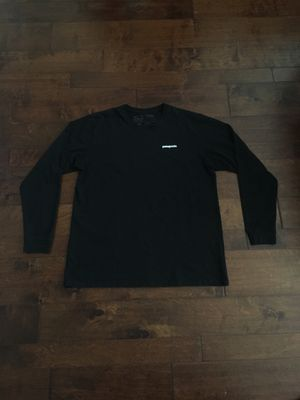 Patagonia long sleeve t shirt size XL still in good condition for Sale in Fontana, CA