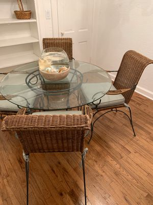 Kitchen Table & Chairs Set for Sale in Nashville, TN