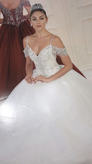 Quinceanera/ sweet 16 or wedding dress for Sale in Leominster, MA