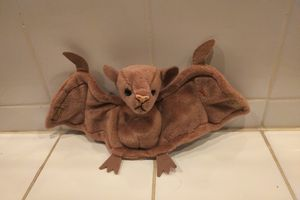 Batty 1996 Beanie Baby Brown Bat Cute for Sale in Herndon, VA