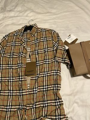 Burberry shirt for Sale in Lathrop, CA