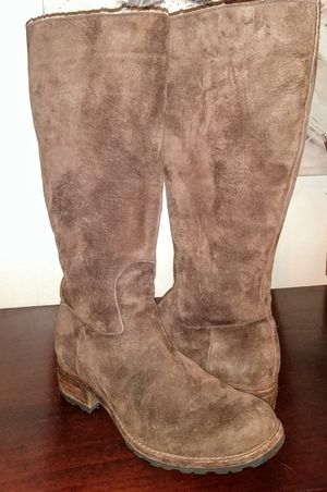 Uggs women's boots size 9 for Sale in Salt Lake City, UT