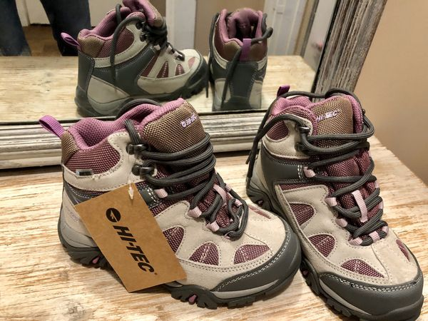 Water proof hiking boots. Girls kids size 13