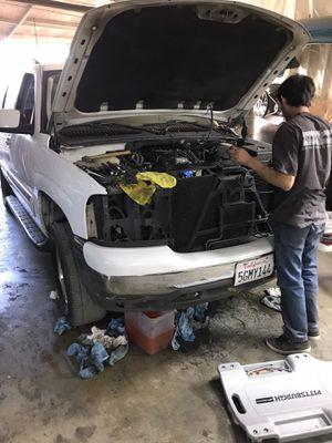 2004. Chevy GMC Yukon no motor no transmission for Sale in Riverside, CA
