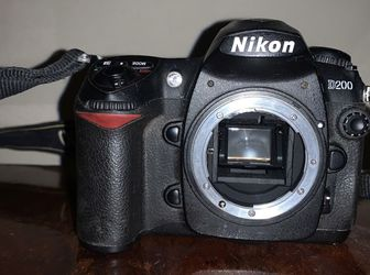 Nikon D200 Body only Works Great Come With Battery and charger and memory card ThIs Black Spot In LCD I Don't No What There Is Problem But Works Great for Sale in San Diego,  CA