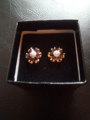 Gorgeous 18k Diamond Garnett Earrings for Sale in Seattle, WA