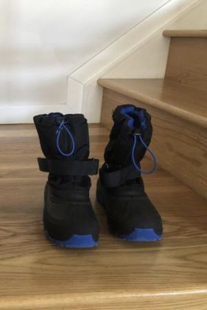 Kids snow boots from Target, size 3, waterproof, $10 for Sale in Englewood, CO