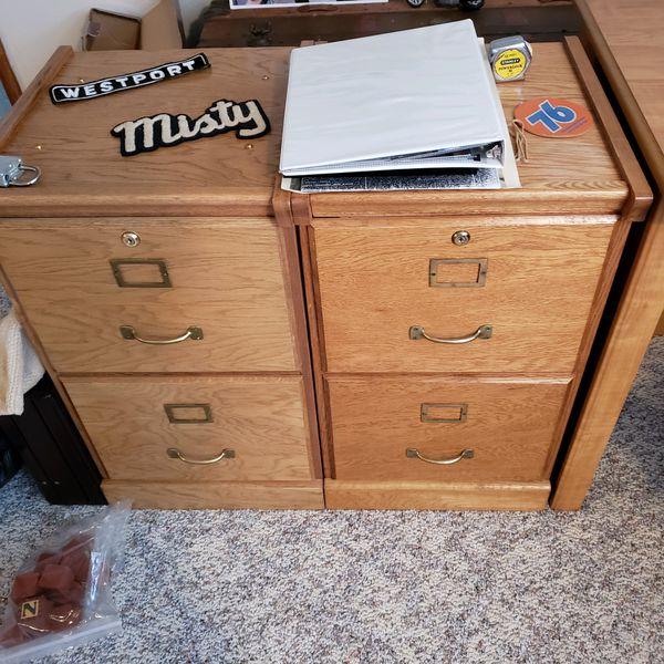 Office desk w/ File Cabinet