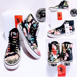 Vans Sk8 Tropical print Hi Top Sneakers, Unisex Size 6.5 for Sale in Tacoma, WA