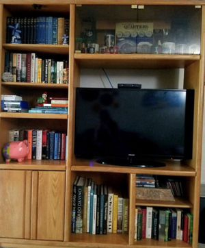 Book shelf entertainment unit for Sale in Cromwell, CT