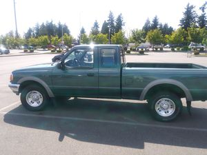 NICE FORD RANGER XLT for Sale in Sumner, WA