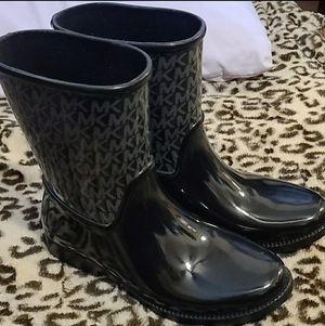 Michael Kors rain or snow boots for Sale in Fresno, CA