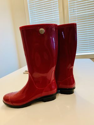 Ugg Shaye Rain Boots with Sheepskin for Sale in Houston, TX