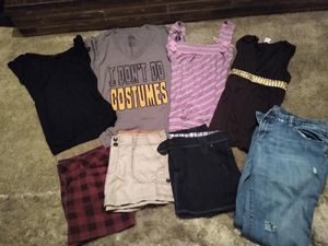 Women's clothes size lg/xl (pending) for Sale in Woodburn, OR