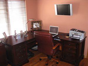 Wood L shape desk for Sale in West Bloomfield Township, MI