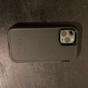 iPhone 11 Pro W/iWatch Series 6 44mm for Sale in Denver, CO