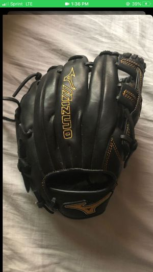 Mizuno baseball glove for Sale in Walnut, CA