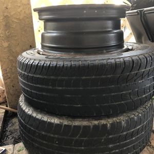 2 Tires 195/65 R15 for Sale in Fort Myers, FL
