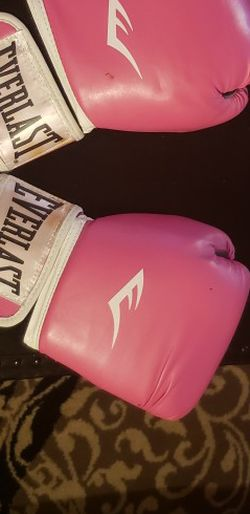 Everlast Pink boxing Gloves for Sale in Federal Way,  WA