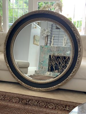 """45"""" Gorgeous round gold leaf trimmed mirror . Excellent condition. No scratches or dings, well made, must see for Sale in Laguna Niguel, CA"""