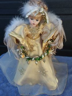 """Brand New 18"""" Tall Tree Top/Table Top Porcelain Christmas Angel From The Victoria Collection for Sale in Riverside,  CA"""