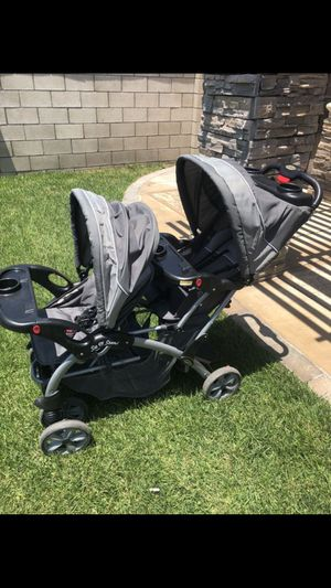 Double stroller for Sale in Fontana, CA