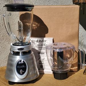 """NEW Oster """"Whrilwind"""" classic collection Blender with food chopper for Sale in Los Angeles, CA"""