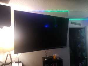Looking to trade 60 in lcd LG smart TV & custom gaming computer for Sale in Mesa, AZ
