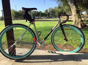 FIXED GEAR WITH ALOT OF EXTRAS for Sale in Romoland, CA