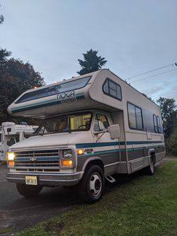 1989 Fleetwood Arrow Class C 24' Runs and Drive Great! for Sale in Tacoma,  WA