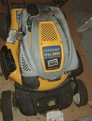 Cub cadet lawn mower for Sale in Wilton Manors, FL