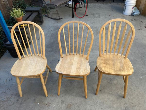 WOOD TABLE 3 CHAIRS! FREE KEPT OUTSIDE