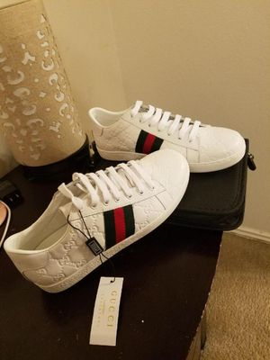 Gucci women's shoe size 8.5 for Sale in Houston, TX
