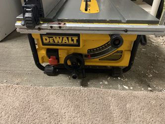 "Dewalt Table Saw 10"" for Sale in Bellevue,  WA"