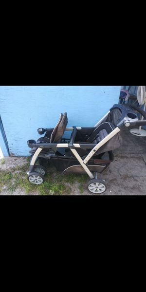 Chicco double stroller for Sale in Altamonte Springs, FL