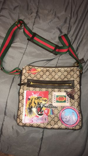 GUCCI MESSENGER BAG for Sale in Worcester, MA